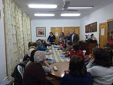 Adoración Quesada, diputada de Bienestar Social visita a las alumnas del taller de memoria.