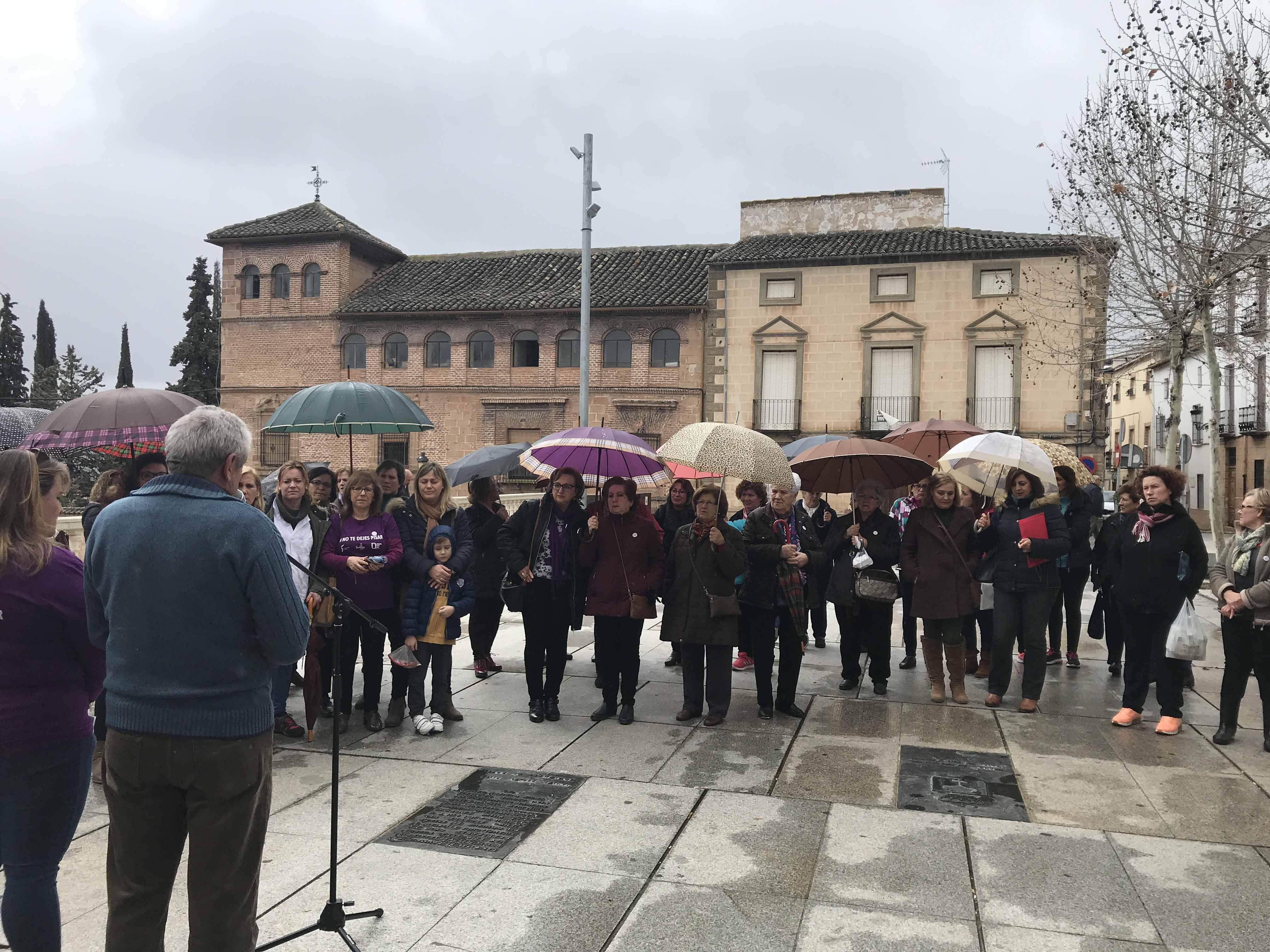 Concentración en la Plaza de la Constitución con motivo del día Internacional de la mujer