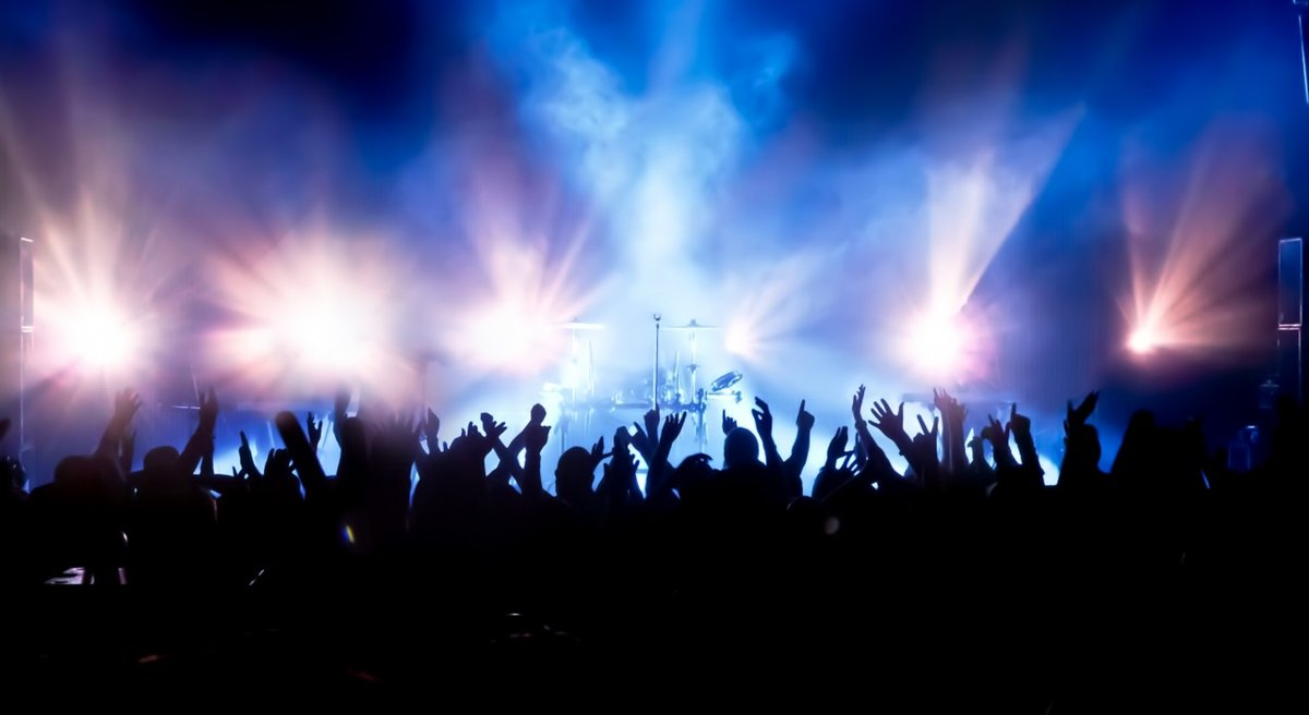 PLIEGO DE CLAUSULAS ADMINISTRATIVAS ACTUACIONES MUSICALES FIESTAS DE AGOSTO 2018 CABRA DEL SANTO CRISTO (JAÉN)
