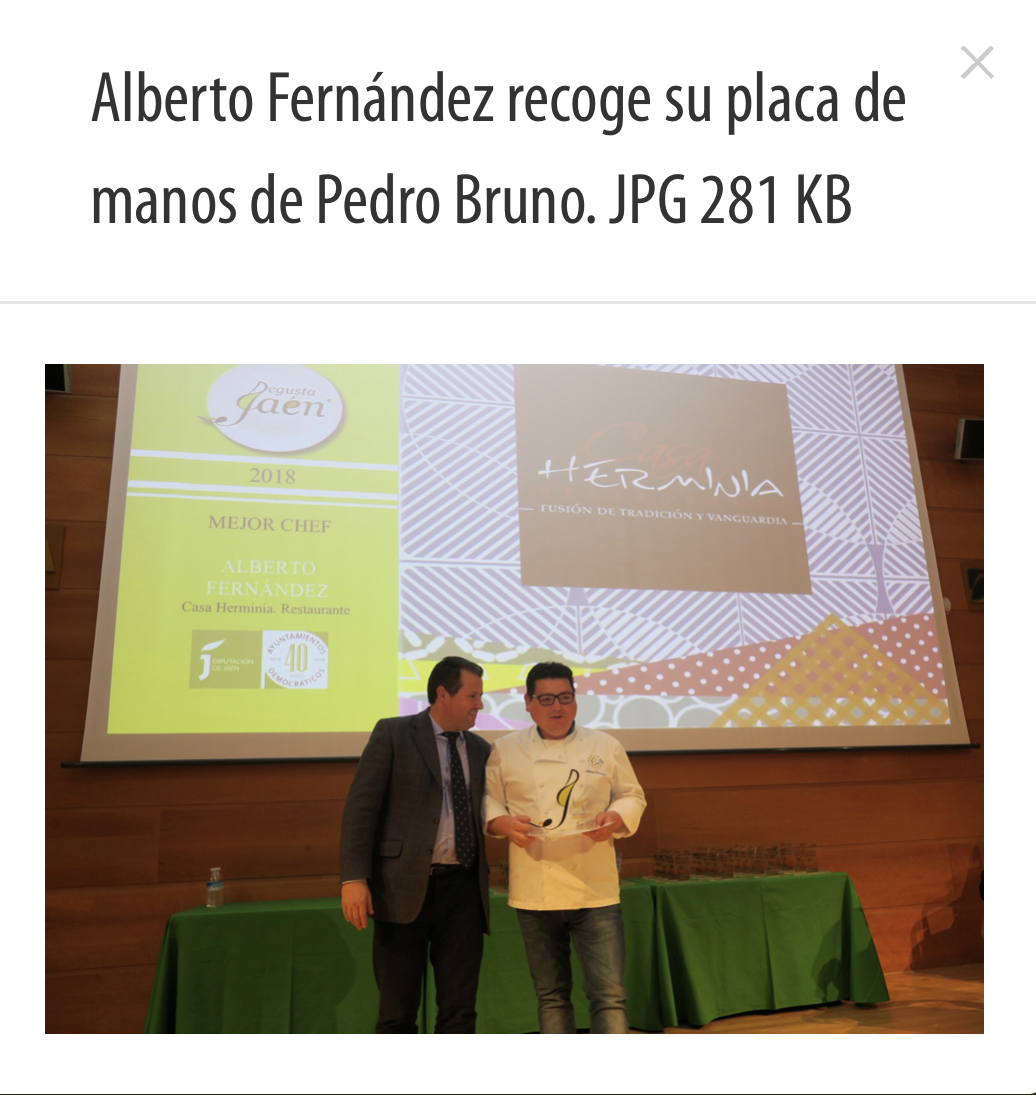 Alberto Fernández, de Restaurante Casa Herminia recibe el premio Degusta JAEN como mejor chef de la provincia